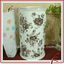 Boite de toilette en céramique