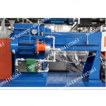 Co-rotating twin screw extruder for plastic resin