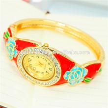 Belle mode Vintage Rhinestone Flower Bangle Watch pour les femmes B080