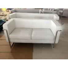 Canapé contemporain en lin gris avec cadre encas