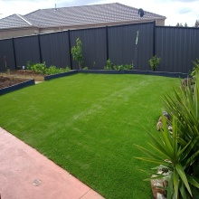 Best Synthetic Lawn for Landscaping