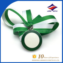 2015 пользовательские зеленый и белый цвет эмали высокого качества медали