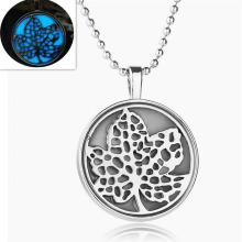 Luminous Necklace In Fashion Necklace Leaves Pendant Jewelry Chain Necklaces