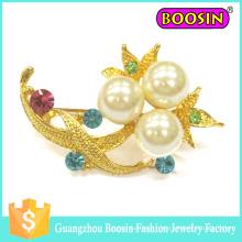 Broche personnalisée de perle de bouquet de fleur d'or en métal de mode pour le mariage
