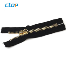 Factory wholesale price high quality metallic zippers for clothes custom metal zipper for shoes