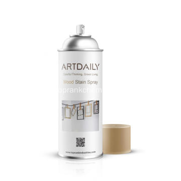 Vernice spray all'acqua per legno
