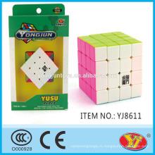 2015 Горячий продавать YJ YUUU 4 * 4 кубика Волшебный кубик кубиков воспитательные английские Упаковка для промотирования