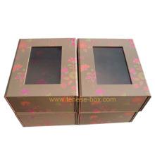 Подарочная коробка с элегантной художественной бумагой с окном