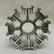Disipador de calor de aluminio de la protuberancia modificada para requisitos particulares de la forma
