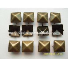 Customize different color metal claw beads