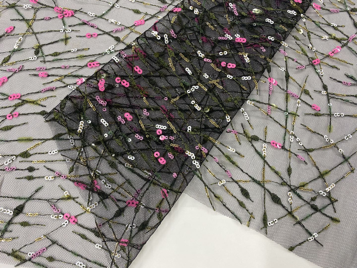 Fashion Embroidery Fabric Of Spring