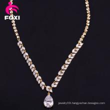 Fine Jewelry 18k Gold Pear Pendant Necklace