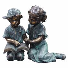 Металлический сад скульптура-Гранди бронзы в натуральную величину чтение мальчик и девочка сад статуи для продажи