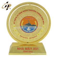 Gros échantillon gratuit design personnalisé nom logo plaque d'or gravure plaques souvenirs trophée