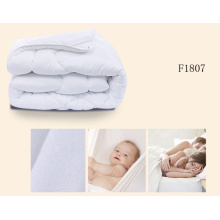 Cheap Price White Color Quilt for Hotel F1807