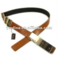 Cinturón de cuero para mujer