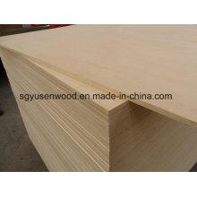 Tablero laminado de melamina laminado de melamina de tamaño estándar 4 * 8 Contrachapado blanco de álamo de madera contrachapada
