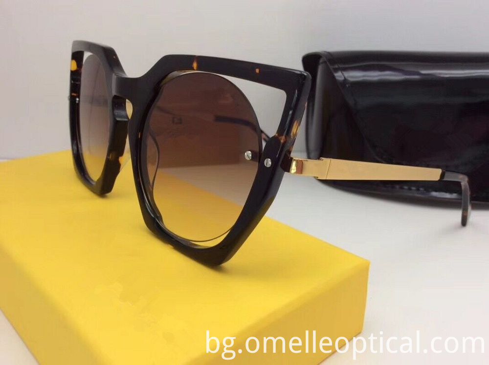 Classic Sunglasses For Women