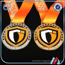 Lutte contre les trophées et les médailles de rugby