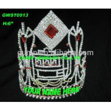Große bunte kundengebundene Tiara und Krone mit irgendeinem Logo