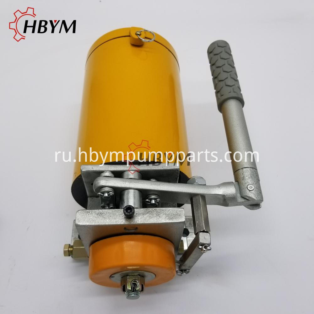 Manual Grease Pump 1