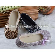 Moda chinelo indoor 2016 leopard home sapatos com bowtie mulheres quarto