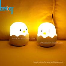 Lámpara de mesita de noche con luz de noche led recargable Baby Chicken