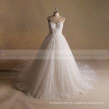 Encantador corazón de alta especial de encaje soplado bola vestido de novia con un tren largo