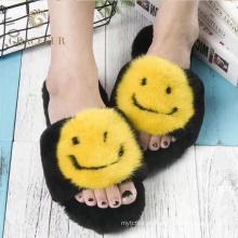 Zapatillas de piel de visón negro de diferentes tamaños