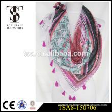 Bufanda de encargo del printing100% del poliester bufanda cuadrada de la sensación de seda de la alta calidad con la borla especial