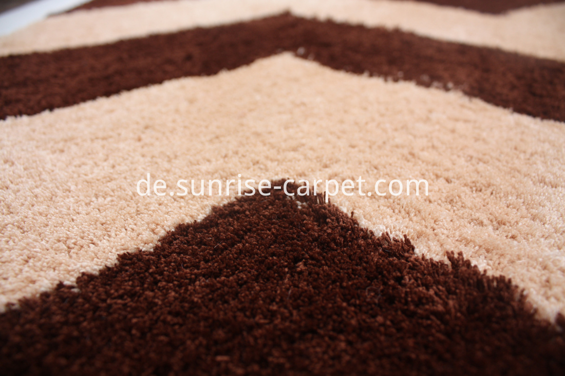 Microfiber Rug with Design Brown color