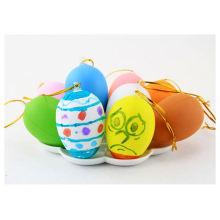 desenho de desenho de plástico animal de grande porte pintando ovos de páscoa
