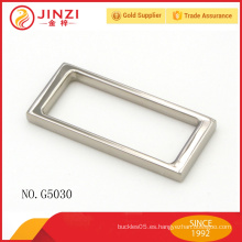 China de fabricación de alta calidad de aleación de zinc estilo simple hebilla decorativa