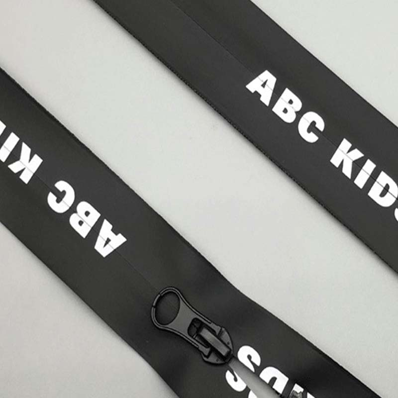 Apparel and Aluminum Zipper
