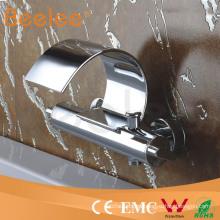 grifo de la ducha de baño en la pared