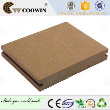 WPC Solid Deck parece mais como pinheiro natural