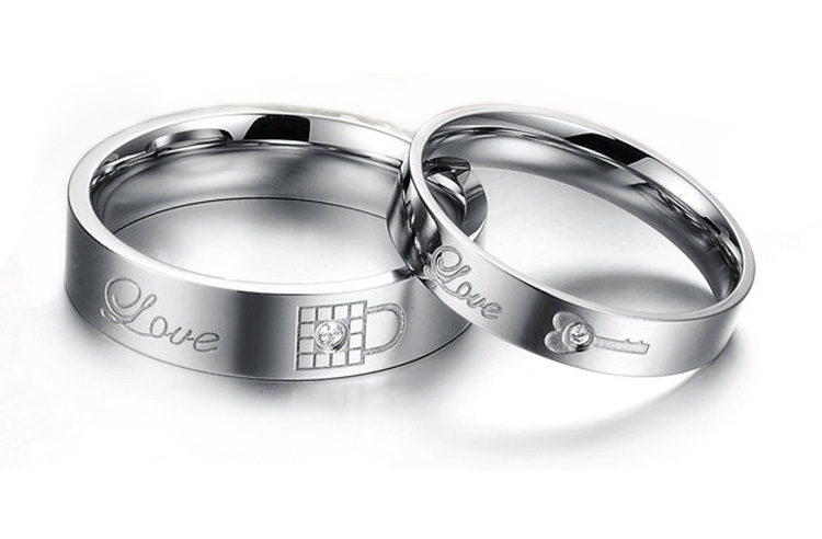 engraved rings for her