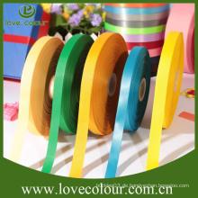 Kundenspezifische Großhandelsarten der Bänder / 100% Polyester dekoratives doppeltes Gesichts-Satinband