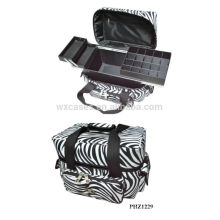 caliente de la venta y la impermeable bolsa de maquillaje con 3 bandejas interior fabricante
