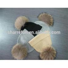 Hersteller 100% reine flache / Kabel / gerippte gestrickte cashmer Hüte mit abnehmbaren Waschbär Pelz Pom Pom