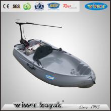 Single Electric Power sitzt auf der Oberseite Plastic Kayak