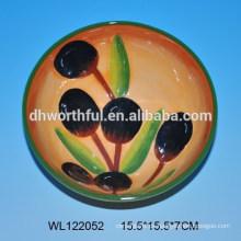 Schöne Keramikschale mit Oliven-Design