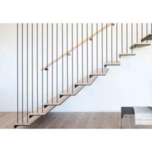 Escaleras flotantes de barandilla de vidrio de escalera de madera de acero interno