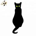 Épinglette chat en émail argenté sur mesure