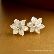Yiwu fabricante de jóias pequena flor shell Tailândia 925 prata esterlina brinco