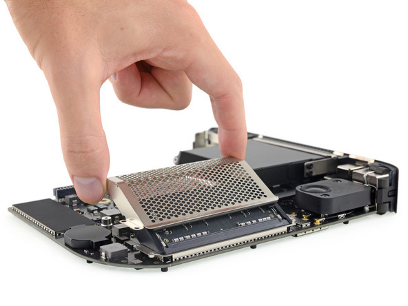 28468-44336-macmini2018-teardown-1-l