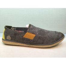 Newest Women/Men′s Slip on Casual Canvas Shoes