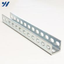 Geschlitzter Stahl, der galvanisiertes u-Profil stützt