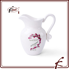 Керамический кувшин для молока
