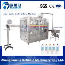 Pequeño equipo plástico de la planta de agua mineral de la botella